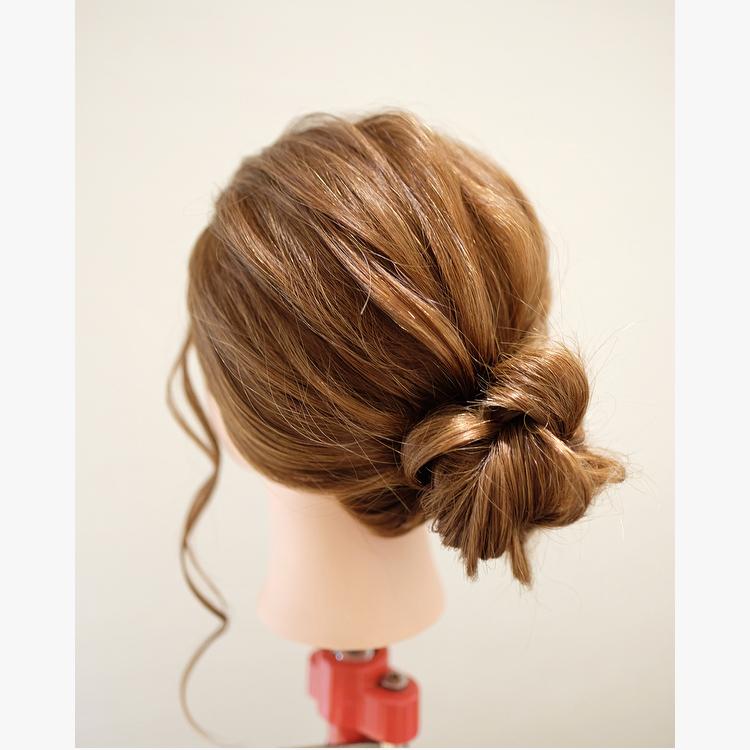 簡単な巻かないヘアアレンジのやり方を動画と写真で解説!髪型も